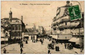 CPA TROYES Place des Anciennes Boucheries (723292)