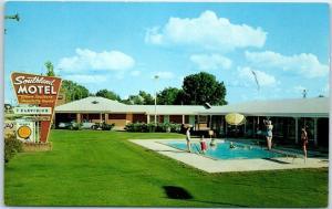 New Albany, Miss. Postcard SOUTHLAND MOTEL Highway 78 Roadside Pool Scene c1950s