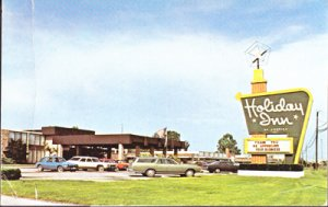 Carbondale PA - HOLIDAY INN, US 13 East, 800 East Main St., now closed, 1970s