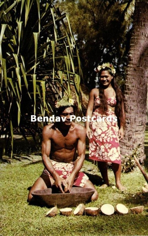 french polynesia, TAHITI, Native Man Rasping Cocos (1960s)