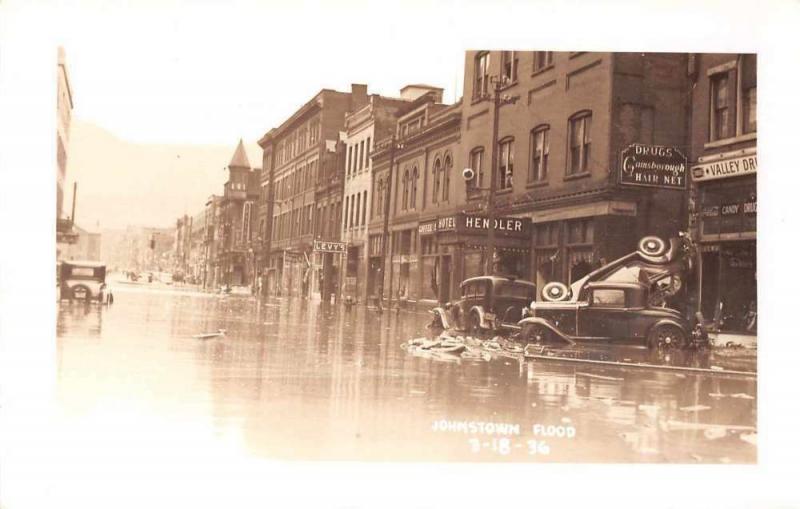 Johnstown Pennsylvania Flood Wrecked Cars Coke Sign Real Photo Postcard JA455361
