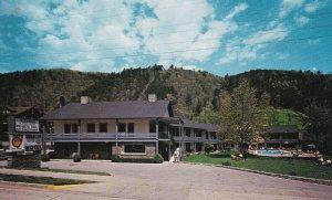GATLINBURG , Tennessee , 1950-60s ; Whaley Motel
