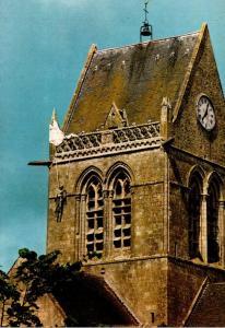 France Saint Mere Eglise Le parachutiste legendaire Suspendu au Cloche dans l...