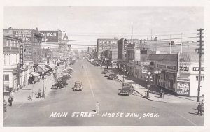 RP: MOOSE JAW , Saskatchewan , Canada , 30-40s ; Main Street
