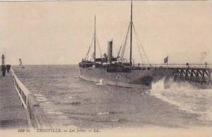 Steamer, Les Jetees, Trouville (Calvados), France, 1900-1910s