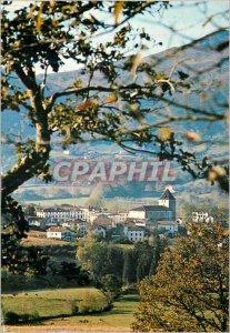Postcard Modern Sare (Pyrenees Atlantiques) A ??Typical Basque Village