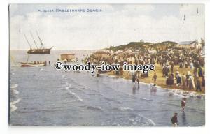 tq0289 - Lincs - Crowds on Mablethorpe Beach, watch a Run Aground Ship- postcard
