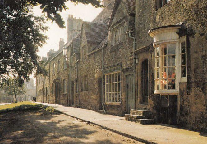 Woolstaplers Hall Tourist Guide Shop Grocers Chipping Camden 2x Postcard s