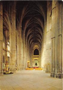 BT18734 canterbury cathedral the nave   uk