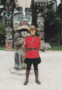 Three Towering Totem Poles, Royal Canadian Mounted Policeman, Canada, 50´s-7...