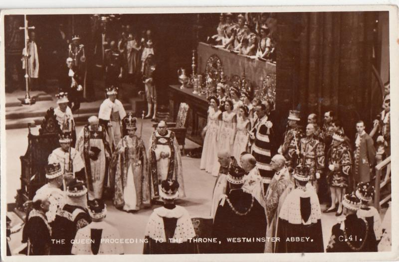 Royalty the Queen Elisabeth proceeding to the throne, Westminster Abbey