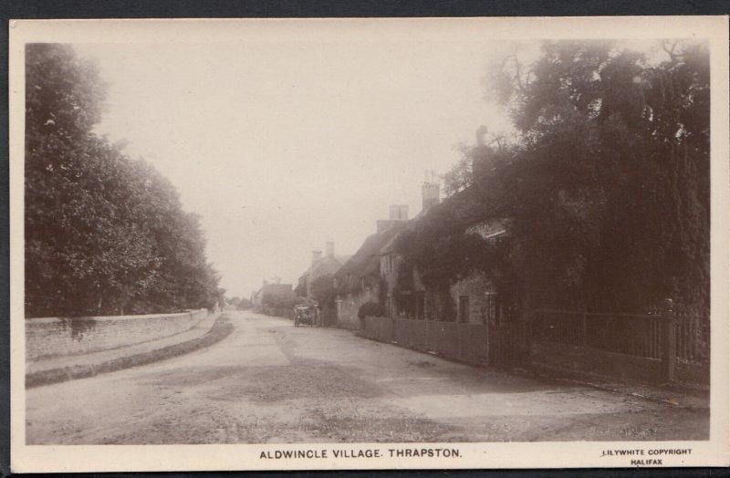 Northamptonshire Postcard - Aldwincle Village, Thrapston Z687