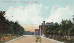 REGINA , Saskatchewan , Canada , 1900-10s ; Government House Driveway