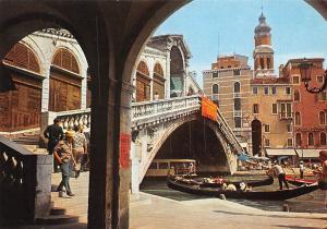 Italy Venezia The Rialto Bridge, Ponte di Rialto Gondola