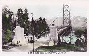 RP, Lions Gate Bridge, Vancouver, B.C., Canada,  00-10