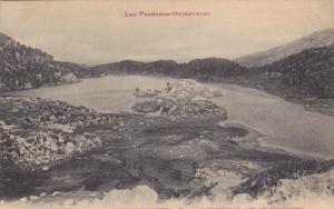 MASSIF DE CARLITTE, Pyrenees Orientales, France; Etang de PRADEILLE, Pres les...