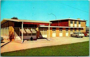 Union City, Indiana Postcard CHAMBERS MEDICAL CLINIC  Doctors' Office c1950s