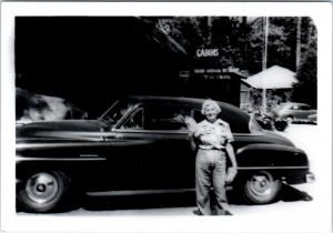 CAMP WISHON, CA California  (Tulare) COOL 50s CAR in Front of Resort c50s Photo