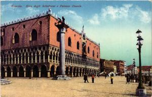 CPA VENEZIA Riva degli Schiavoni e Palazzo Ducale. ITALY (523064)