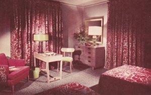 HARRISON HOT SPRINGS, British Columbia, Canada, 40-60s; Bedroom, Modern Floor...
