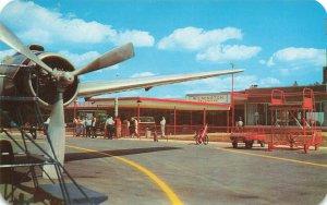 Wilmington Delaware Castle County Airport Prop Plane Postcard