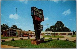 Milan, Tennessee Postcard SOUTHGATE MOTEL Highway 45 Roadside Chrome c1960s