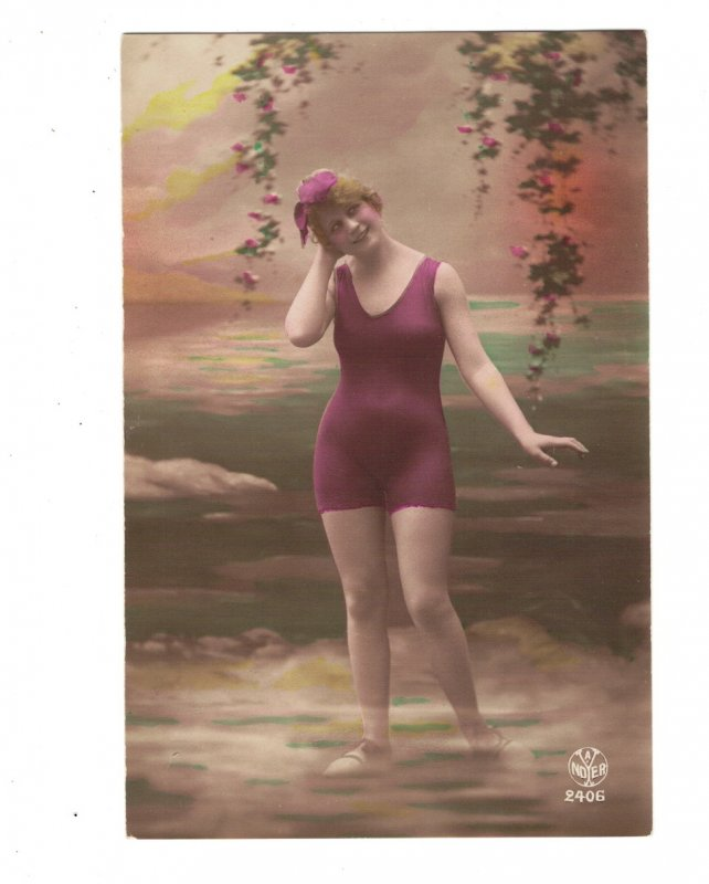 HI1015 BATHING BEAUTY ART DECO PERIOD 1920 RISQUE SEXY IN PURPLE SUIT