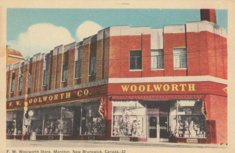 MONCTON , New Brunswick, 1930s ; F.W. Woolworth Store