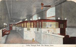 F19/ Des Moines Iowa Postcard 1909 Valley National Bank Interior