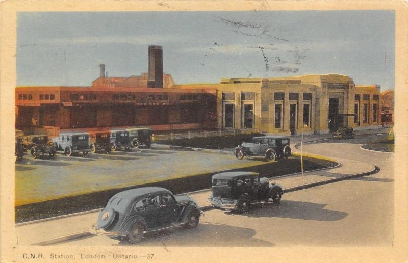 London ON~Canadian Northern Railroad Station/Depot~Vintage 1940s Cars~Postcard
