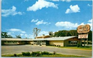 Cedar Rapids, Iowa Postcard TOWN HOUSE MOTOR HOTEL 4747 1st Ave. SE 1950s Unused