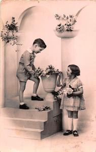 Boy girl children, enfants, artistic vintage photo, roses, Paris CPSM