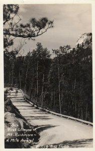 RP; MT. RUSHMOREN , South Dakota, 1930-40s ; 4 Miles away!