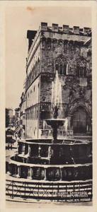 RP; Palazzo Comunale Corso Vannucci, Perugia, Umbria, Italy, 20-30s