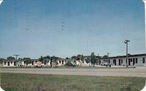 Lazy V Motel, South of BENTON HARBOR, Michigan, 40-60´