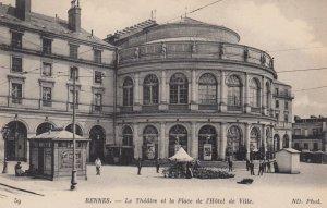 RENNES , France , 00-10s ; Le Theatre et la Place de l'Hotel de Ville