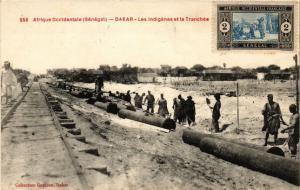 CPA Senegal-Dakar-Les indigénes et la Tranchée (235386)