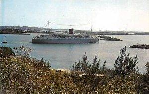 Bermuda Post card Old Vintage Antique Postcard Queen of Bermuda Moves Toward ...