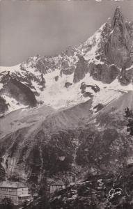 France Chamonix et le Mont Blanc L'Aiguille du Dru et l'Hotel de Montenvers 1949