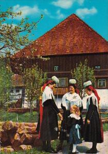 Germany Schwarzwald Gutachererinnen in Festtagstracht