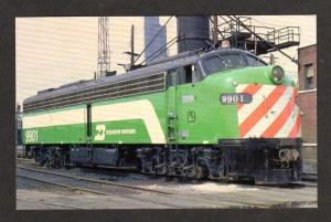 IL Burlington Northern Railroad Train CHICAGO ILLINOIS