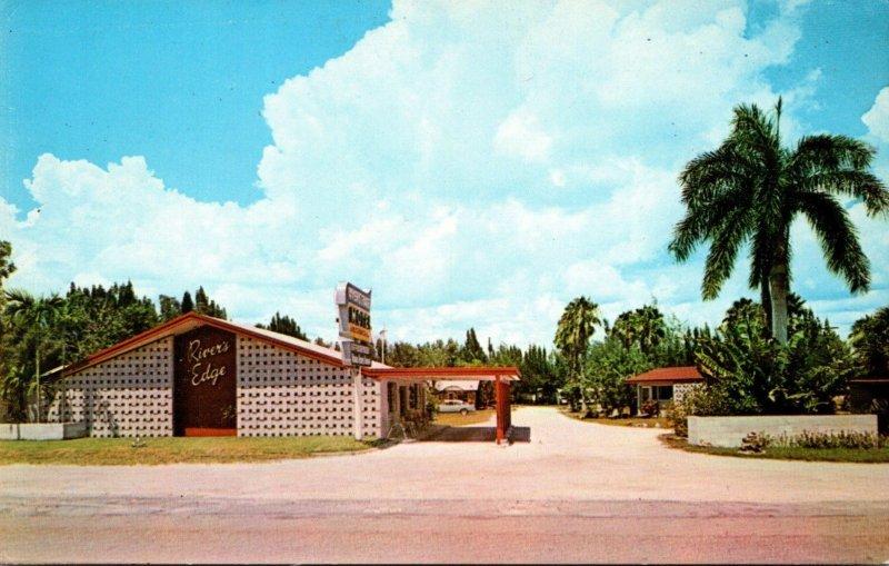 Florida North Fort Myers River's Edge Tourist Park