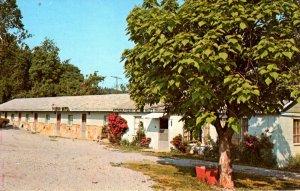 Elizabethtown, Illinois - The Pounds Hollow Motel - c1960