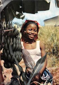 Africa Picking Bananas Afrique Cueillette des Bananes