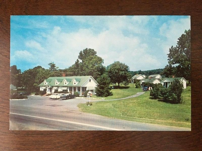 Green Top Motor Court, US Highway 11, Virginia. 1950s Cars. A12
