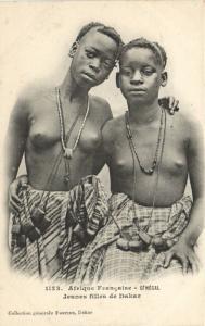 CPA Senegal Ethnic Nude Fortier - 1123. Jeunes filles de Dakar (70863)