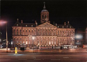 B108764 Netherlands Amsterdam Royal Palace at the Dam Auto Busses