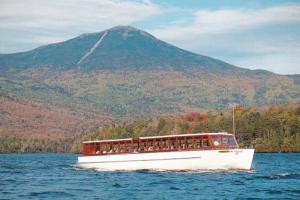 Ne York Lake Placid The Doris Sightseeing Boat