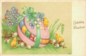 Happy Easter Chicks Easter Eggs and more Postcard Lot of 8 01.07