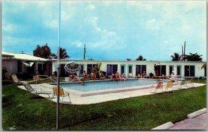 Dania, Florida Postcard MAGNOLIA PARK APARTMENT HOTEL Pool Dixie Hwy Roadside